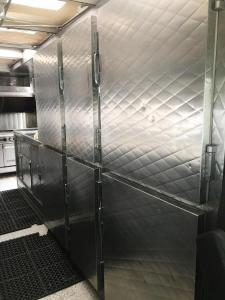 2 Oven Truck - 6 DOOR FRIDGE