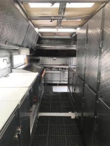 2 Oven Truck - FULL KITCHEN VIEW - 2